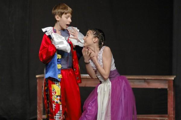 Festivalul Internaţional de Teatru de Tineret de limbă germană - Ediţia a XIII-a are loc în perioada 9 - 14 aprilie 2012